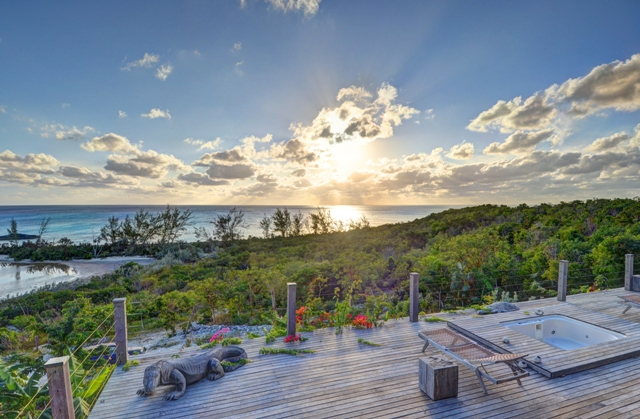 Additional photo for property listing at Off-the-Grid Showpiece Retreat Cat Island, バハマ