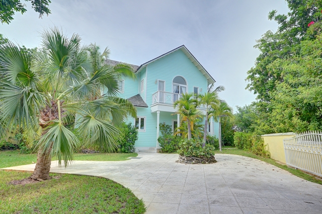 Additional photo for property listing at Seabreeze Estate  MLS 24919 Harbour Island, Bahamalar