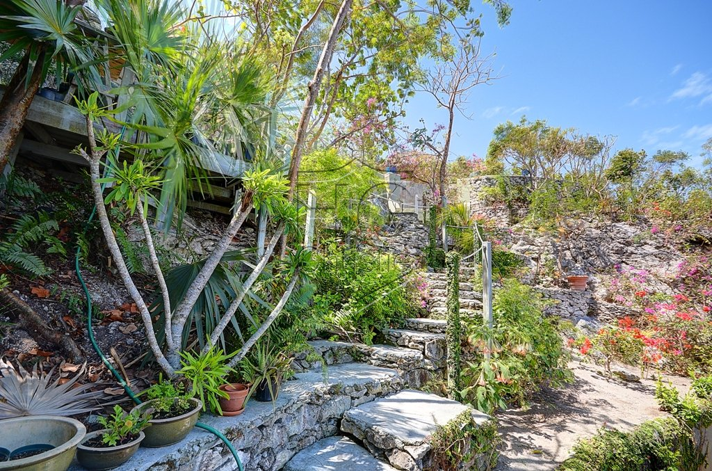 Additional photo for property listing at Ob Shanti - A magical oceanview home located at Tropical Gardens. Tropical Gardens, Nassau And Paradise Island, Bahamas