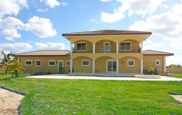 Additional photo for property listing at Splendid Canal Home In Fortune Bay Багамские Острова