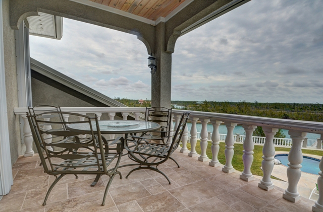 Additional photo for property listing at Waterfront Home  Colony Bay  Grand Lucayan Waterway Grand Bahama And Vicinity