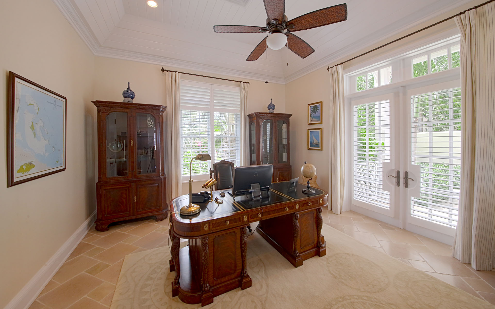 Additional photo for property listing at Quintessential Caribbean Beach Home in Ocean Club Estates - MLS 31597 Nassau New Providence And Vicinity