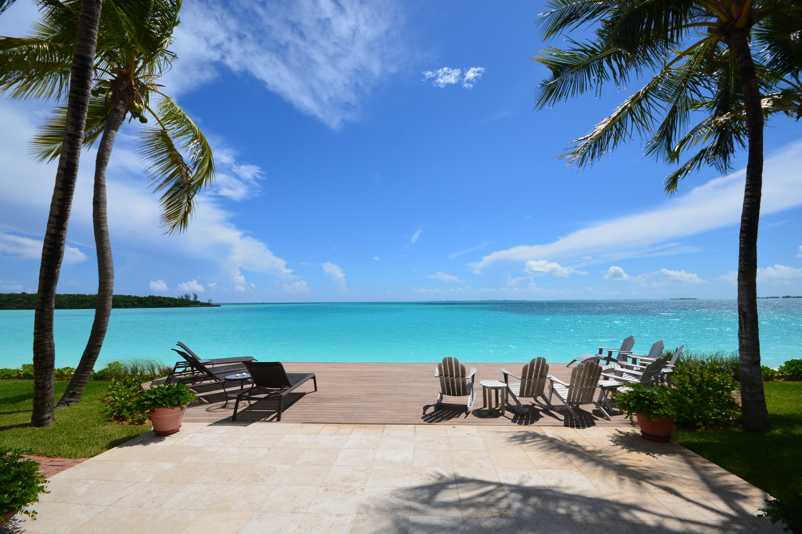 Additional photo for property listing at Luxury Beachfront Estate on Treasure Cay Beach Abaco, Bahamalar