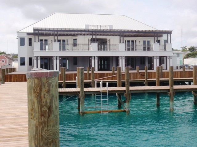 Additional photo for property listing at Ideal Restaurant Location on the Water Downtown, Nassau And Paradise Island, Bahamas