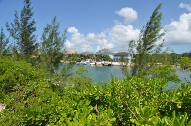 Additional photo for property listing at Charlotte and Fincastle Island Canalfront Lots Old Fort Bay, Nassau And Paradise Island, Bahamas