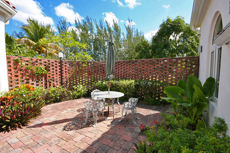 Additional photo for property listing at Private Waterfront Utopia Grand Bahama And Vicinity