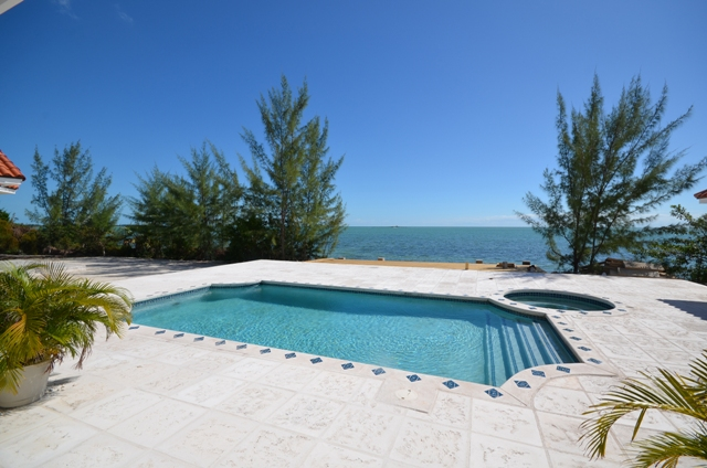 Additional photo for property listing at Beautiful Waterfront Home in Venice Bay Bahamas
