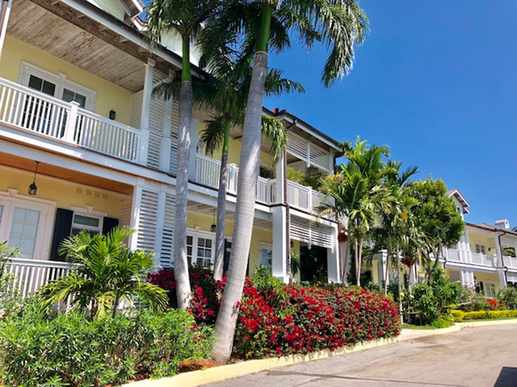 Additional photo for property listing at Treetops Townhouse in Lyford Cay - MLS 28711 Bahamas