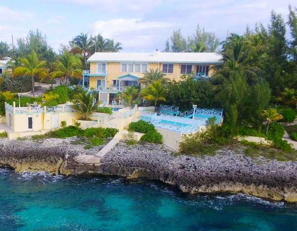 Additional photo for property listing at Fantastic Waterfront Vacation Property in Rainbow Bay, Eleuthera Eleuthera, Bahamas