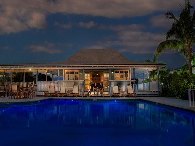 Additional photo for property listing at Gumbo Limbo House at Deep Water Cay Bahama Eilanden