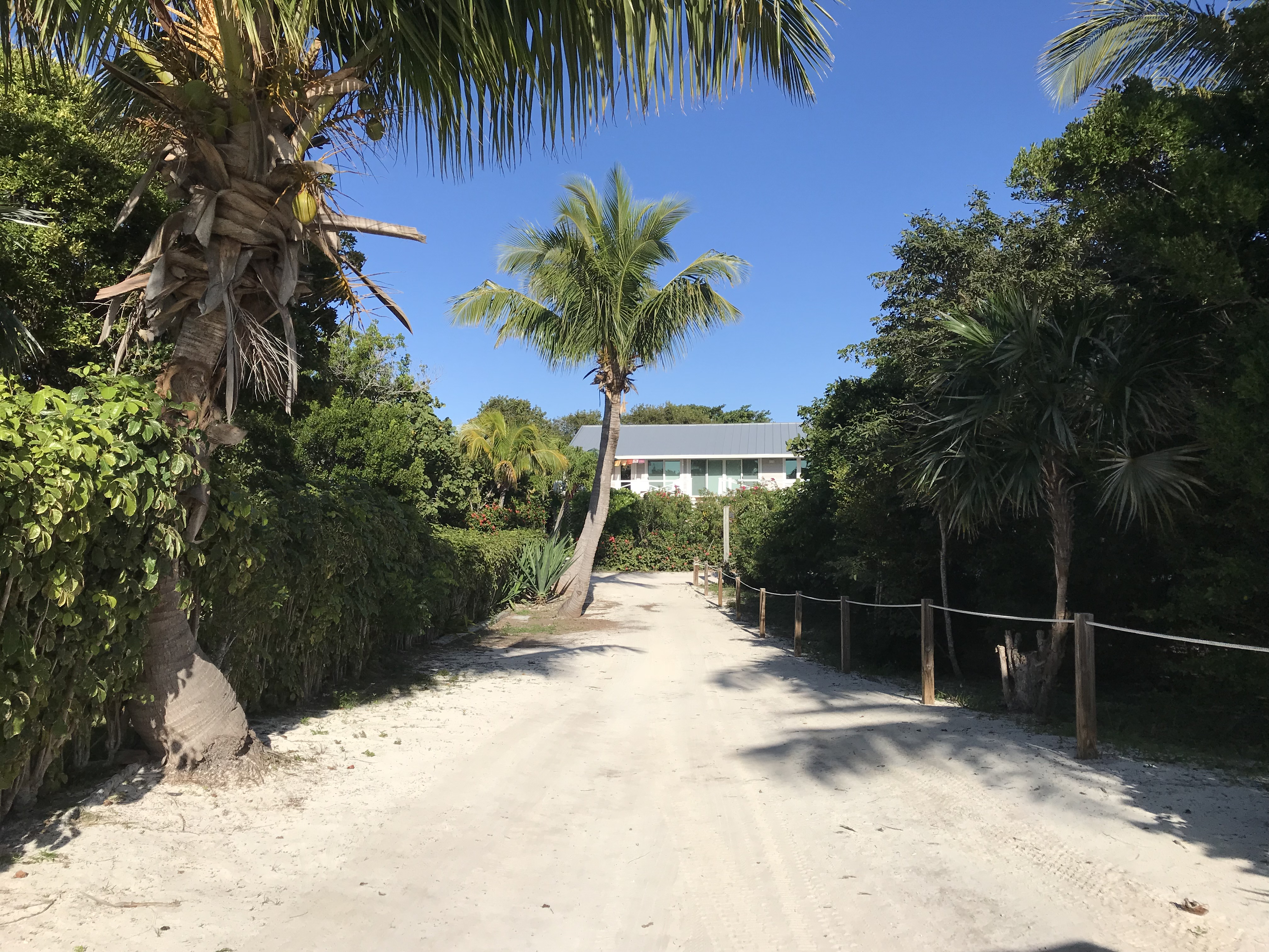 Additional photo for property listing at Large Vacant Lot in Hope Town Point, Abaco - MLS 32842 Elbow Cay Hope Town, Abaco, Bahamas