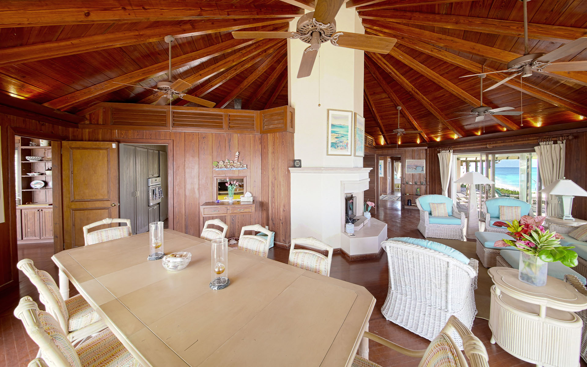 Additional photo for property listing at Pieces of Eight Elbow Cay Hope Town, Abaco, Bahamas