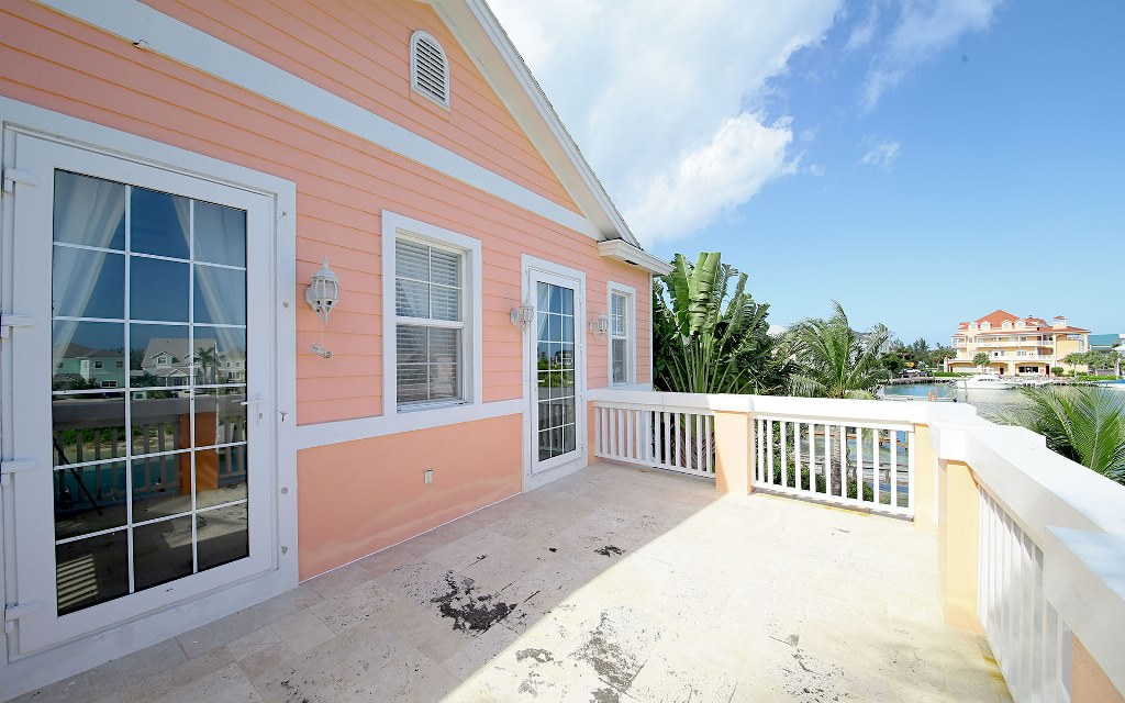 Additional photo for property listing at Elegant Retreat in Sandyport Nassau New Providence And Vicinity