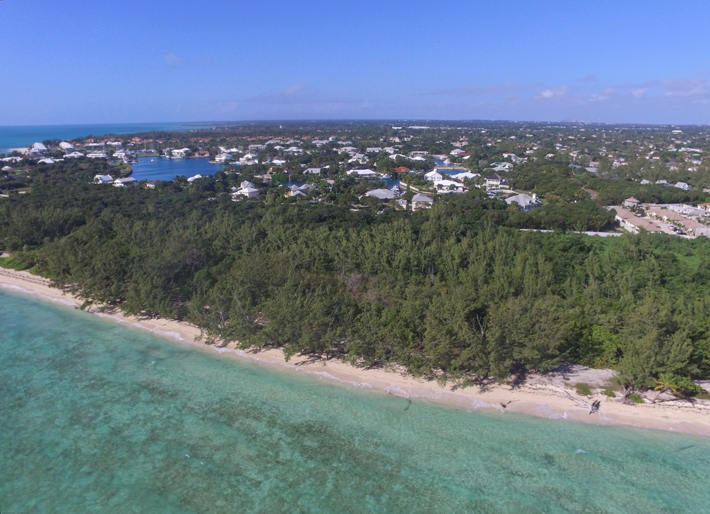Additional photo for property listing at Priced to sell Beachfront development parcel with 600 ft. of beach frontage Nassau New Providence And Vicinity