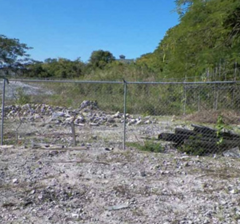 Additional photo for property listing at Huge Half Acre Commercial Lot in Oakes Field Oakes Field, Nassau And Paradise Island, Bahamas