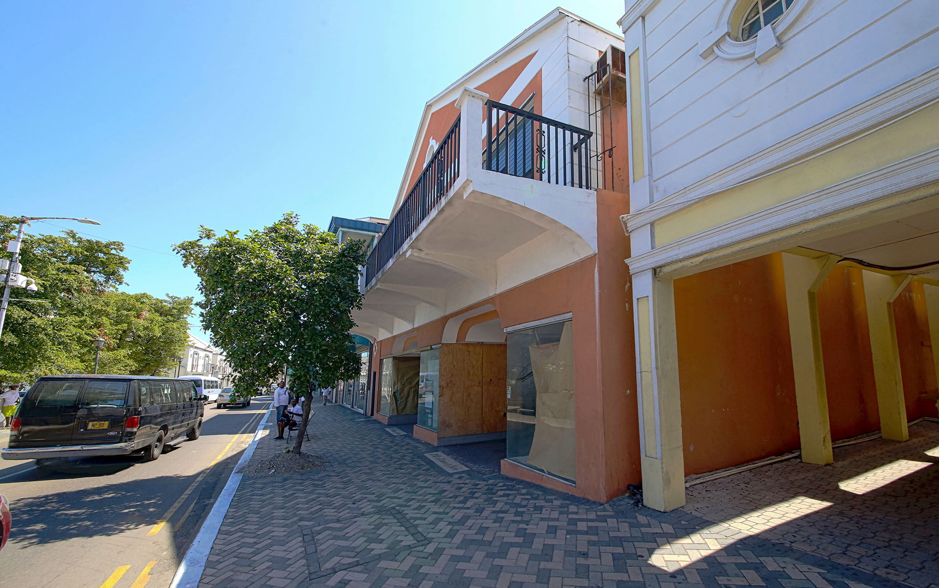 Additional photo for property listing at Large retail space available in town Downtown, Nassau And Paradise Island, Bahamas