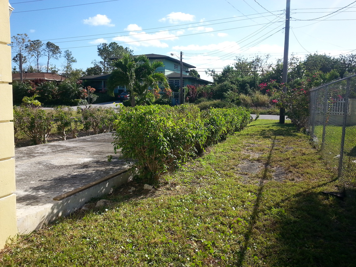 Additional photo for property listing at Coral Laks Ranch Style Home Coral Harbour, Nassau And Paradise Island, Bahamas