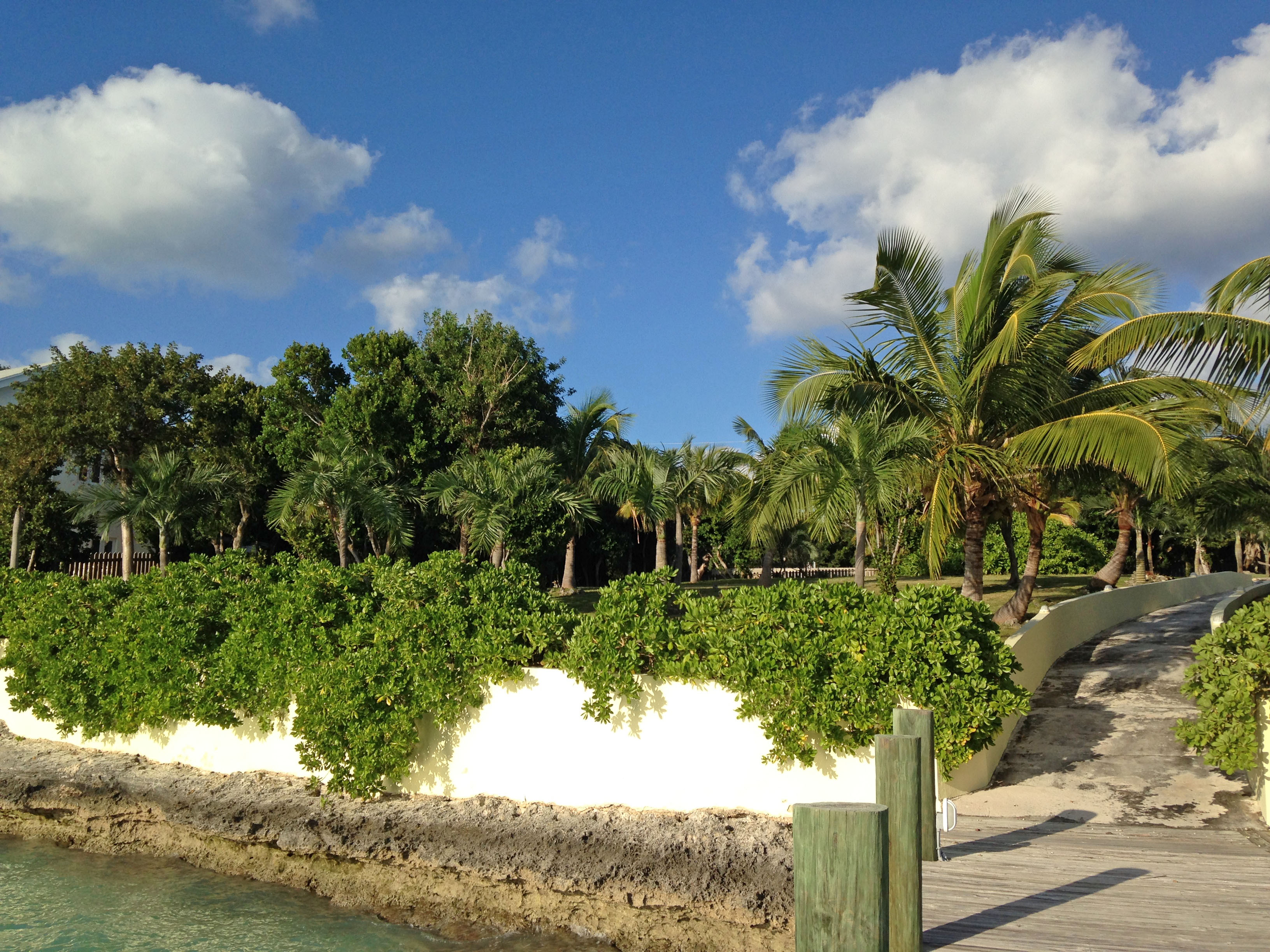 Additional photo for property listing at Baywatch Lot Harbour Island, Bahamas