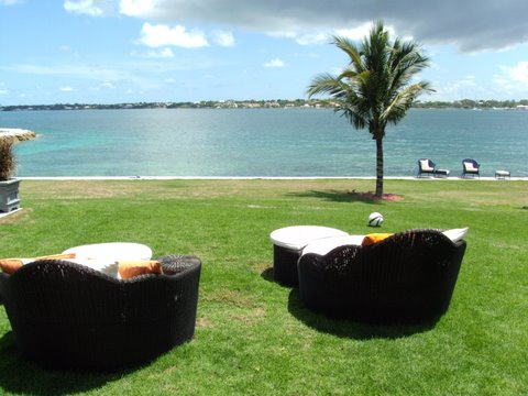 Additional photo for property listing at Private Waterfront Villa in famed Ocean Club Estates Nassau New Providence And Vicinity