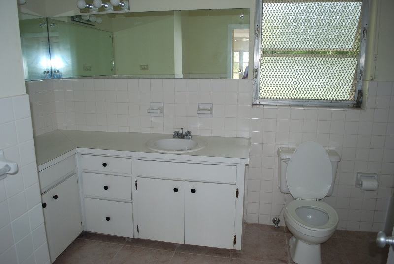 Additional photo for property listing at Best Priced Canal Front rental Home in Lyford Cay Lyford Cay, Nassau And Paradise Island, Bahamas