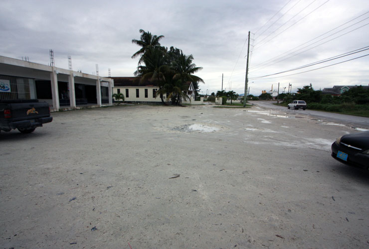 Additional photo for property listing at Queen Elizabeth Shopping Centre Marsh Harbour, Abaco, Bahamas