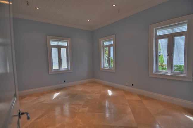 Additional photo for property listing at Exquisite Office Space in Old Fort Bay Old Fort Bay, Nassau And Paradise Island, Bahamas