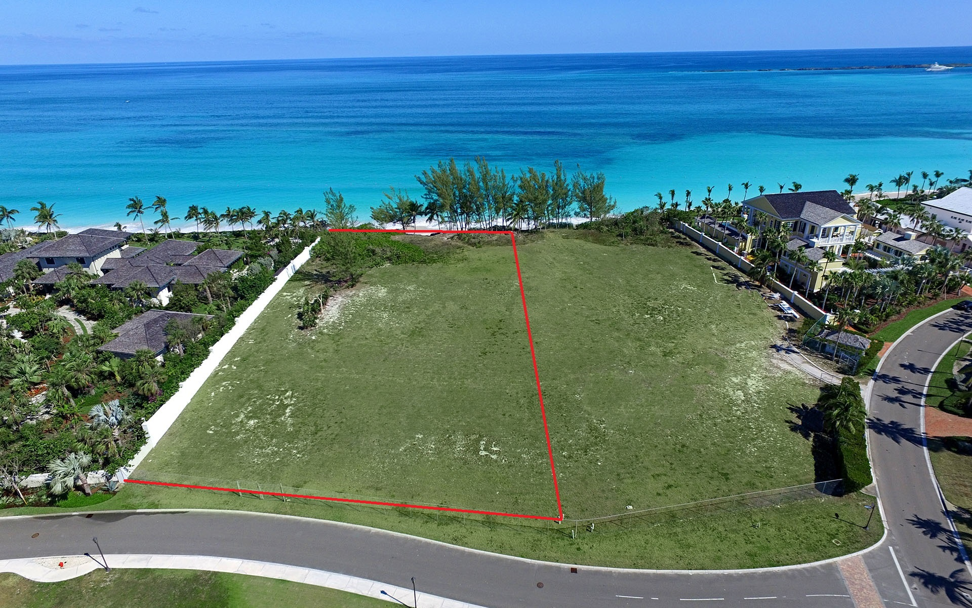 Additional photo for property listing at Prime Beachfront Lot in Ocean Club Estates - MLS 29629 Nassau New Providence And Vicinity