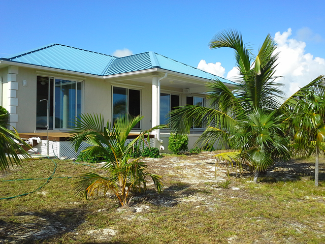 Additional photo for property listing at Beachfront house in Greenwood, Cat Island Cat Island, Bahamas