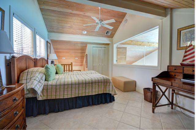 Additional photo for property listing at Fabulous Oceanfront Home at Winding Bay Abaco, Bahamas