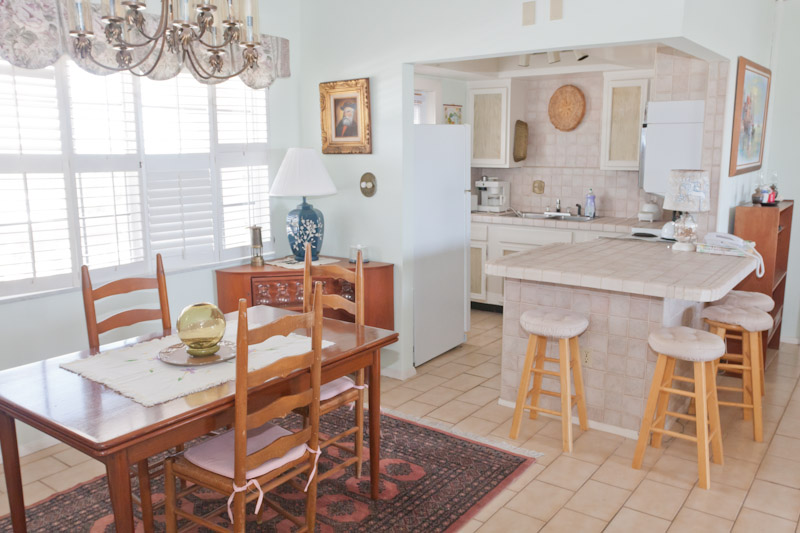 Additional photo for property listing at Elegant Ocean View Apartment in Harbour House Towers Grand Bahama, Bahamas