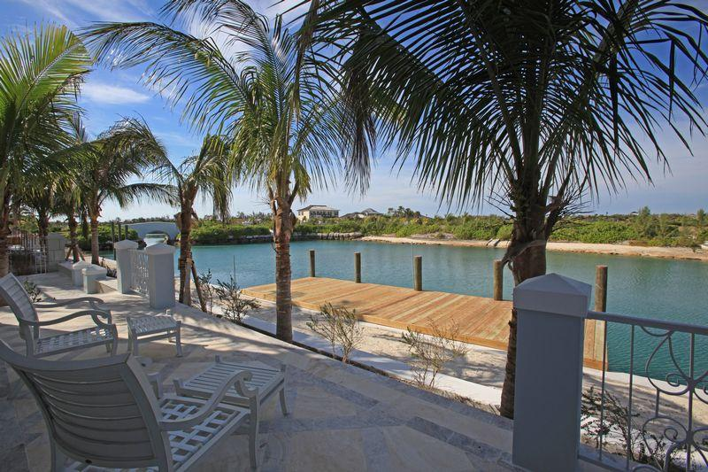 Additional photo for property listing at Seaspray Estate With Cottage and Dock Μπαχαμεσ