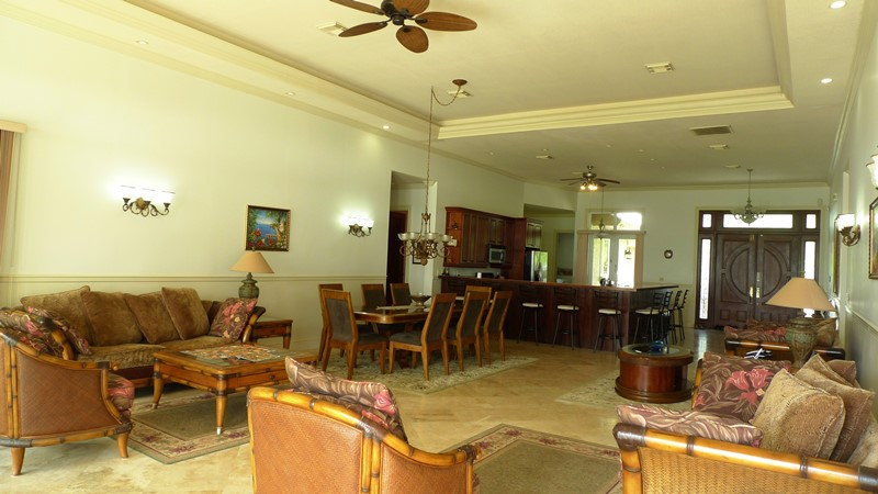 Additional photo for property listing at Beautiful Beachfront Home In Golden Grove GRAND BAHAMA AND VICINITY