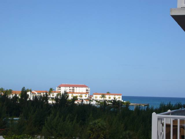 Additional photo for property listing at Island lane Sandyport Condo Sandyport, Cable Beach, Nassau And Paradise Island Bahamas