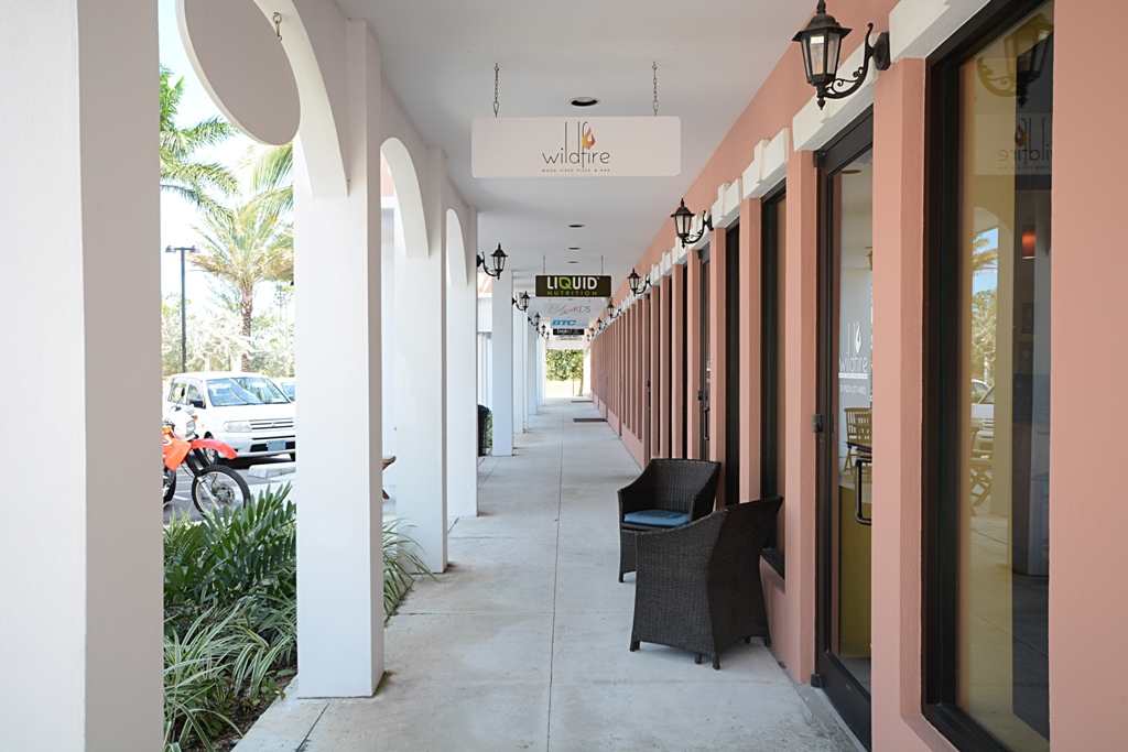 Additional photo for property listing at Food and Beverage Business In The West - MLS #29562 Old Fort Bay, Nassau And Paradise Island, Bahamas