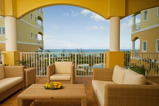 Additional photo for property listing at Magnificent sea views from this three bedroom third floor condo Bahamas