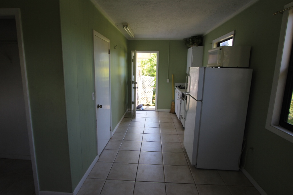 Additional photo for property listing at Spacious Home with Efficiency - MLS 32047 Marsh Harbour, Abaco, Bahamas
