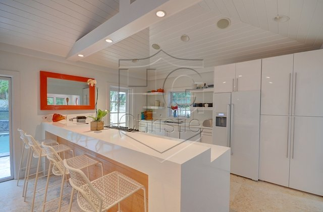 Additional photo for property listing at Contemporary Lyford Cay House Bahamas