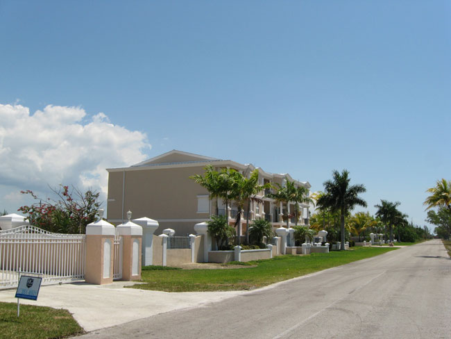 Additional photo for property listing at Exquisite Villa In Fortune Beach Grand Bahama And Vicinity