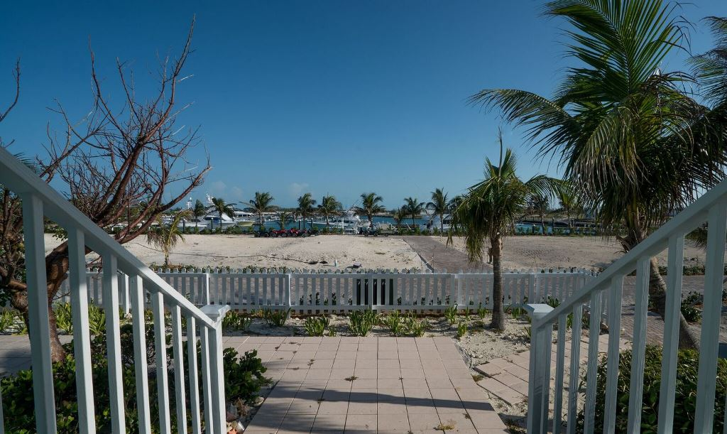 Additional photo for property listing at Villa 54 Chub Cay Berry Islands, Bahamas