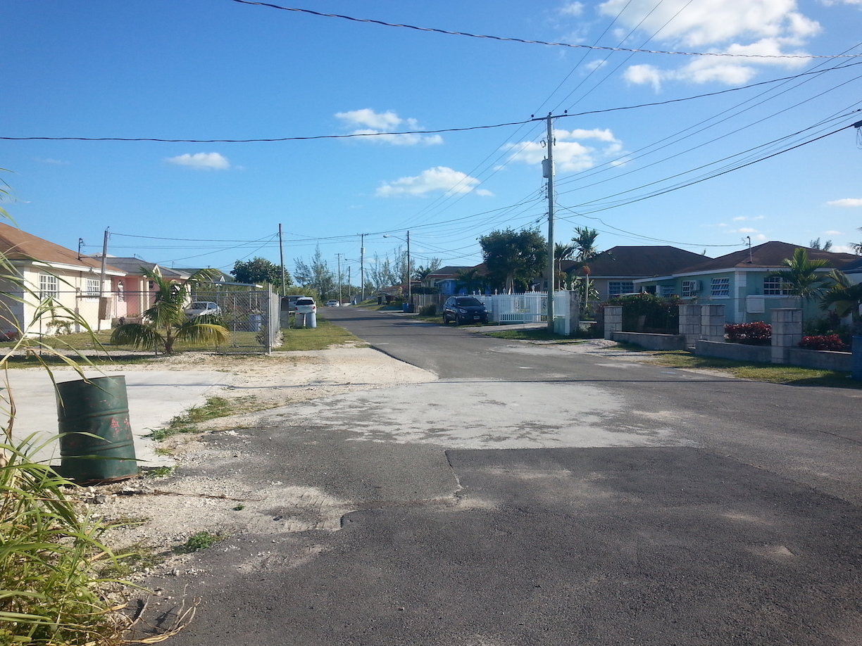 Additional photo for property listing at Single Family Home in Sunset Meadows Carmichael Road, Nassau And Paradise Island, Bahamas
