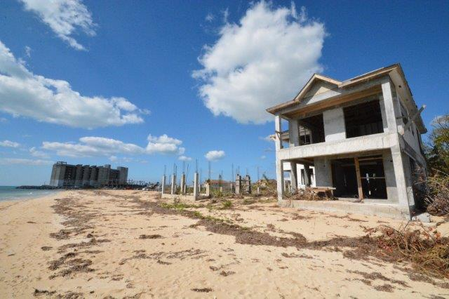 Additional photo for property listing at Incomplete Beachfront Townhouse Development Bahamas