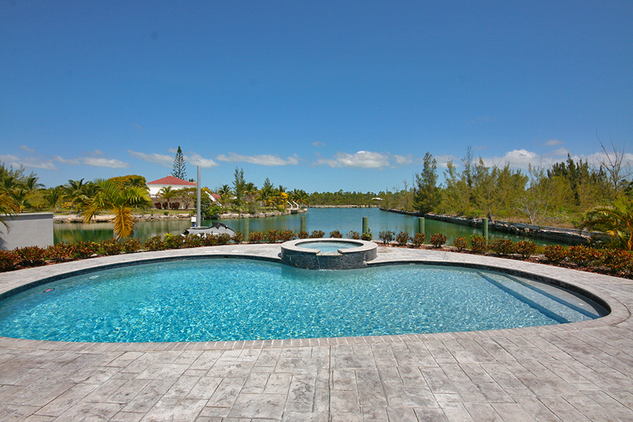 Additional photo for property listing at Newer Construction Canal Front Home in Upscale Neigborhood Near Beach Bahamas