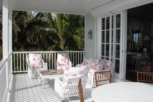 Additional photo for property listing at Harbour Island Hilltop Gem Harbour Island, Eleuthera, Bahamas