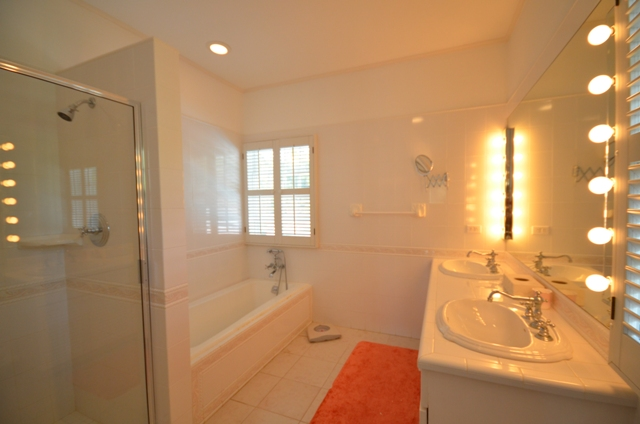 Additional photo for property listing at North Windermere Beachfront Home  MLS 25274 Windermere Island, Eleuthera, Bahamas